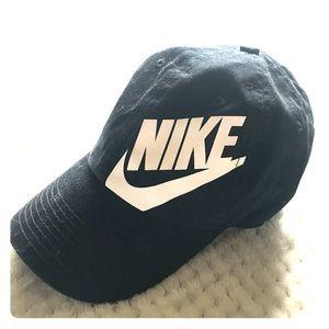 Women's Nike hat